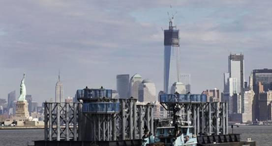 """美国:新世贸中心""""封顶"""" 成纽约最高建筑物"""