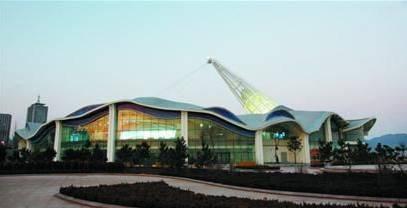 青岛规划展览馆所在地原是现代艺术中心烂尾工程.