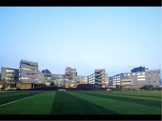 现代主义设计:田园学校