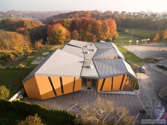 斯洛文尼亚Cerkvenjak幼儿园外部-斯洛文尼亚Cerkvenjak幼儿园第3张图片