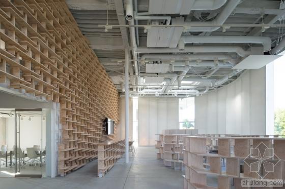 日本波形半透明墙体的家具厂内部-日本波形半透明墙体的家具厂第6张图片