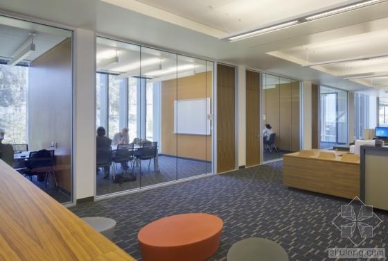 克拉夫顿希尔斯学院学习资源中心-克拉夫顿希尔斯学院学习资源中心第10张图片