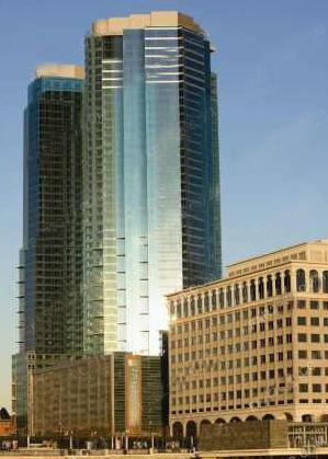 """(图)纽约49层""""哈德逊77号""""双子塔即将完工"""