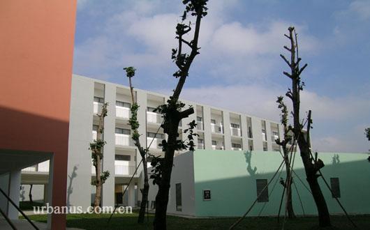 东莞理工学院松山湖校区综合教学楼